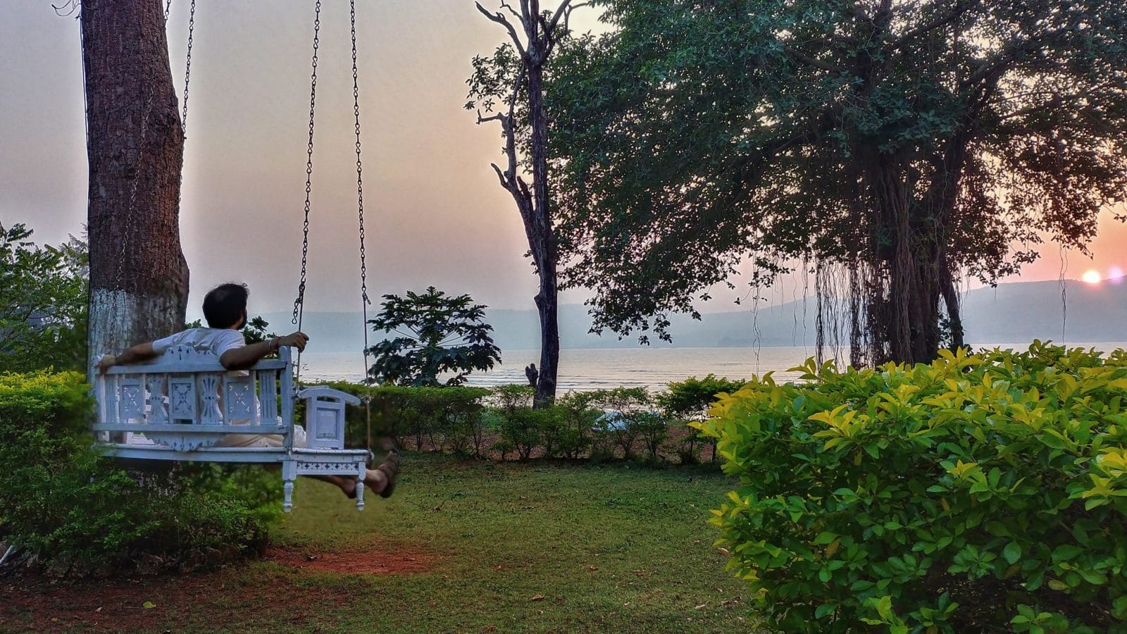 Saffron Stays Little Paradise, Murud
